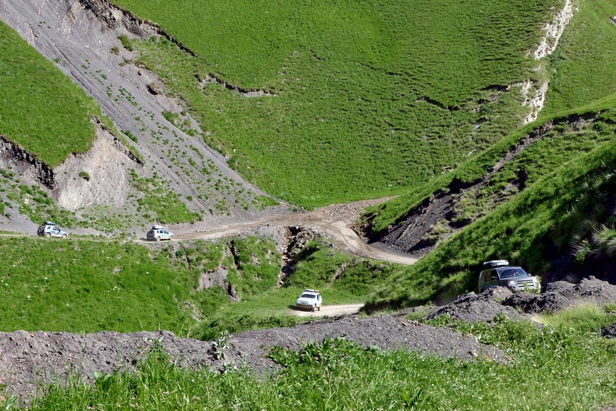 http://ws.pp.ru/foto/190503.20.RoadCahur.JPG